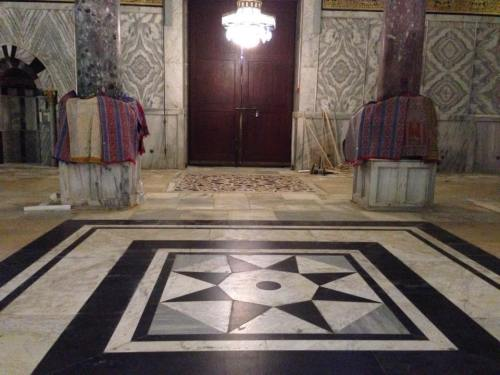This floor on the inner ambulatory by the south door appears to be a rather recent addition to the Dome of the Rock.  Note that both opus sectile floors by the south door feature eight-pointed stars at the center of the patterns.